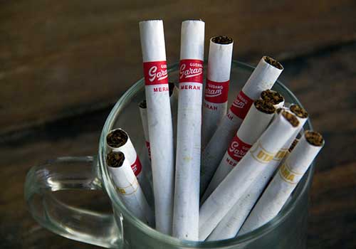 Rokok Bukan Hidangan pada Acara