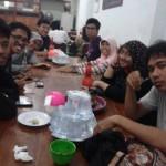 300 KM dari Makassar