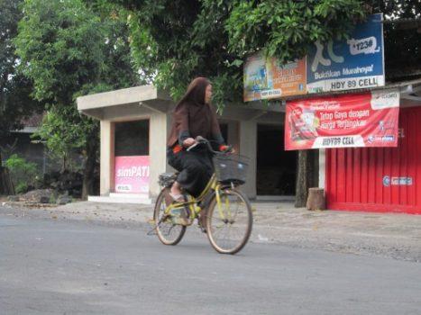 Pengendara sepeda pagi