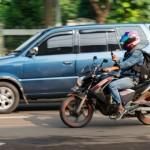 Dilarang Bermain Handphone saat Berkendara