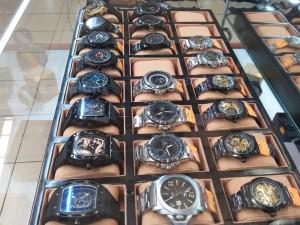 Jual jam di Makassar
