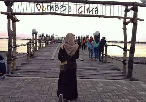 Tempat wisata di Makassar - Pantai Akkarena